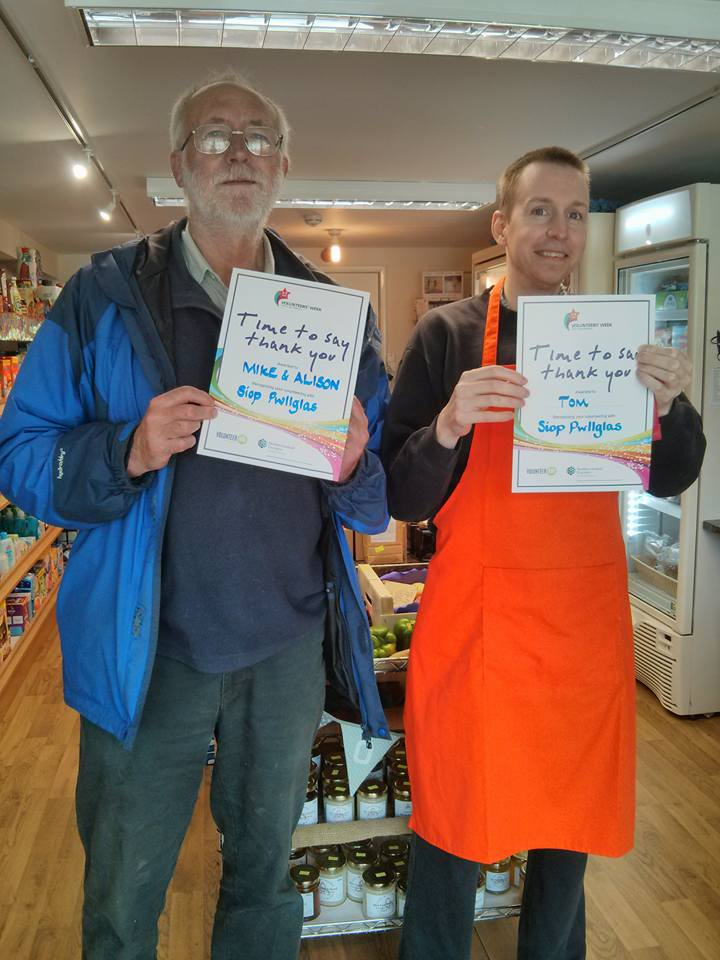 Its Volunteers Week June 1-7th 2015. Here are just 2 of our Siop P VOLS Mike and Tom receiving their Thank you certificates.